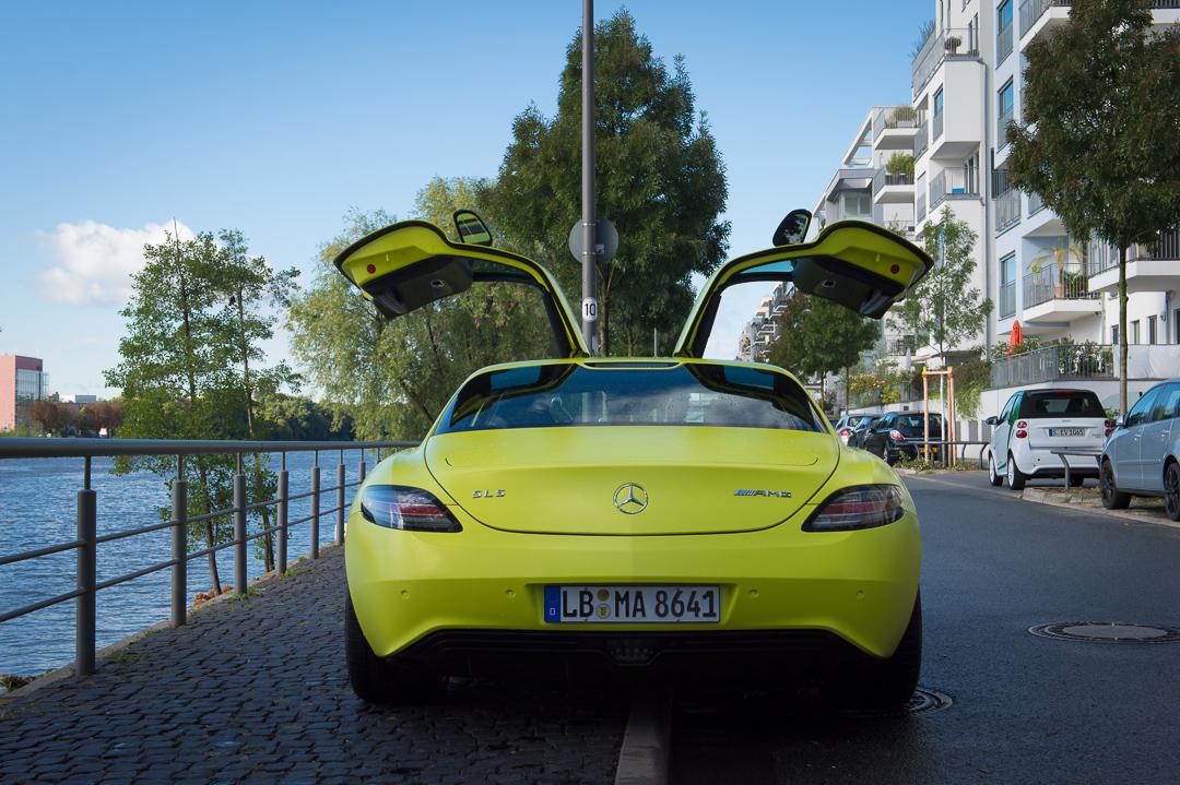 2013-mercedes-benz-sls-amg-electric-drive-gelb-08