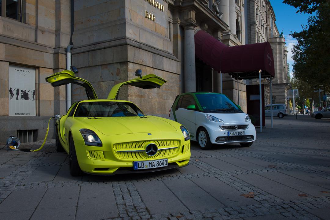 2013-mercedes-benz-sls-amg-electric-drive-gelb-13
