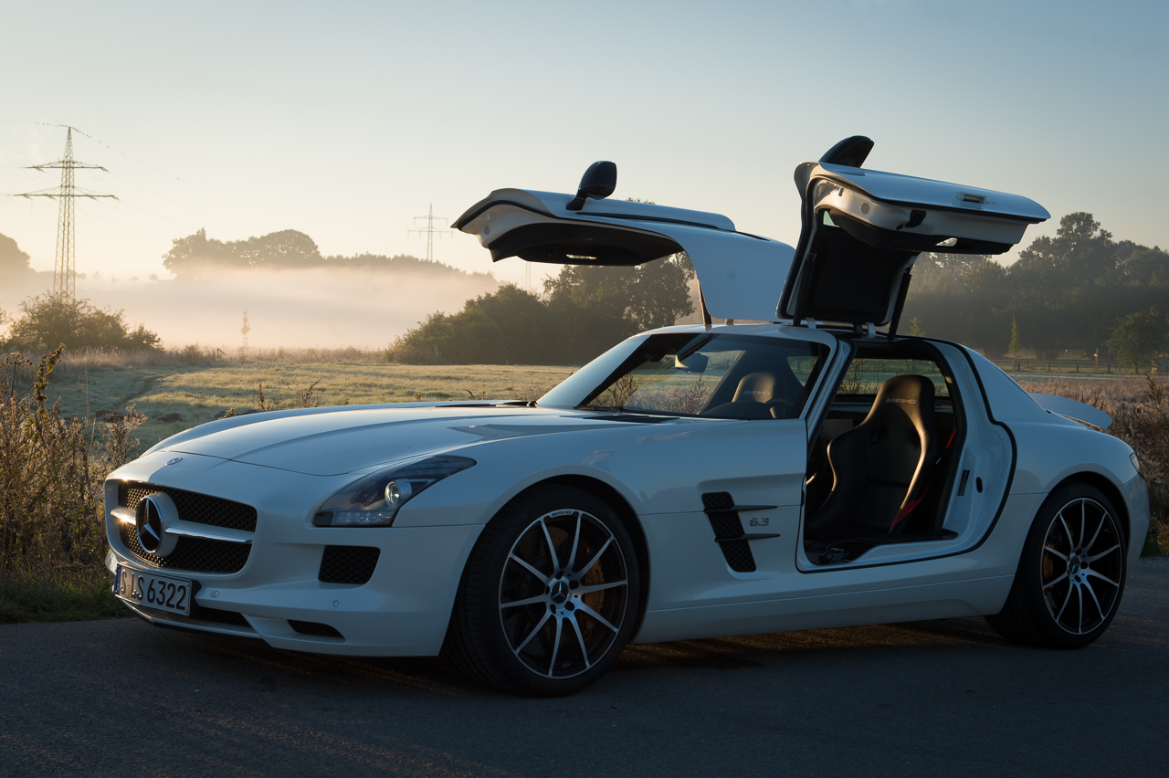 2013-mercedes-benz-sls-amg-gt-coupe-weiss-02