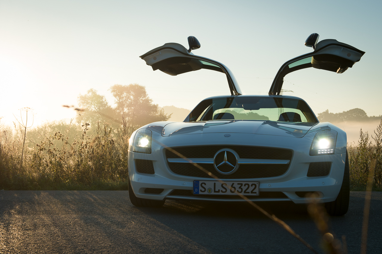 2013-mercedes-benz-sls-amg-gt-coupe-weiss-04