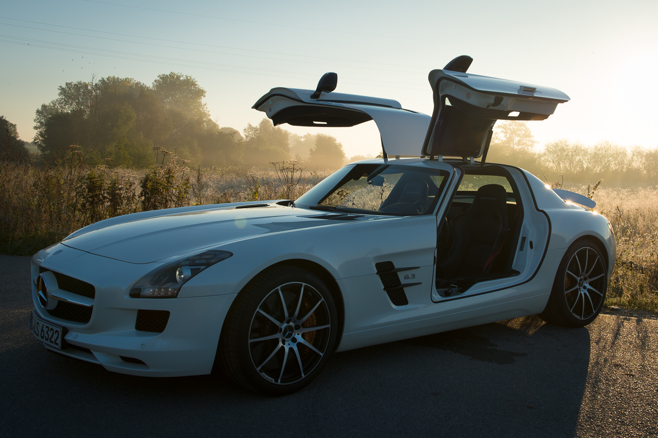 2013-mercedes-benz-sls-amg-gt-coupe-weiss-05