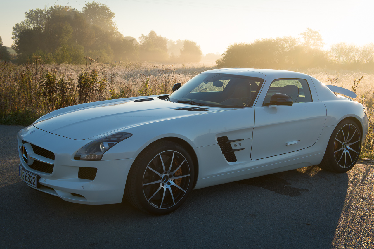 2013-mercedes-benz-sls-amg-gt-coupe-weiss-08