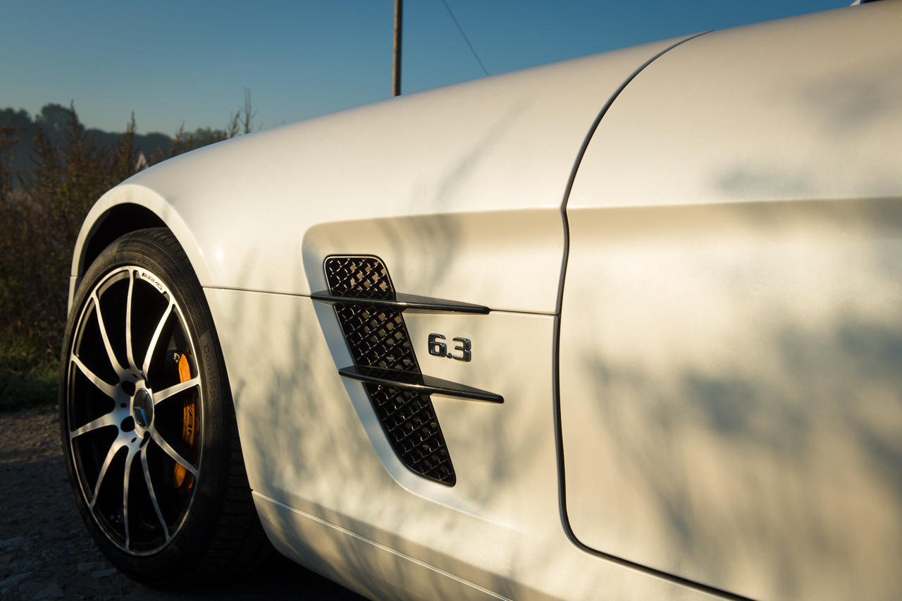2013-mercedes-benz-sls-amg-gt-coupe-weiss-20