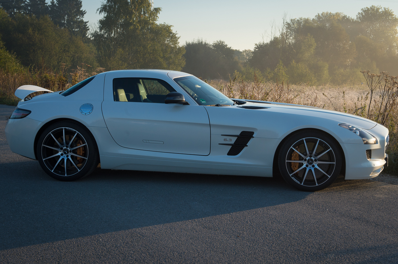 2013-mercedes-benz-sls-amg-gt-coupe-weiss-22