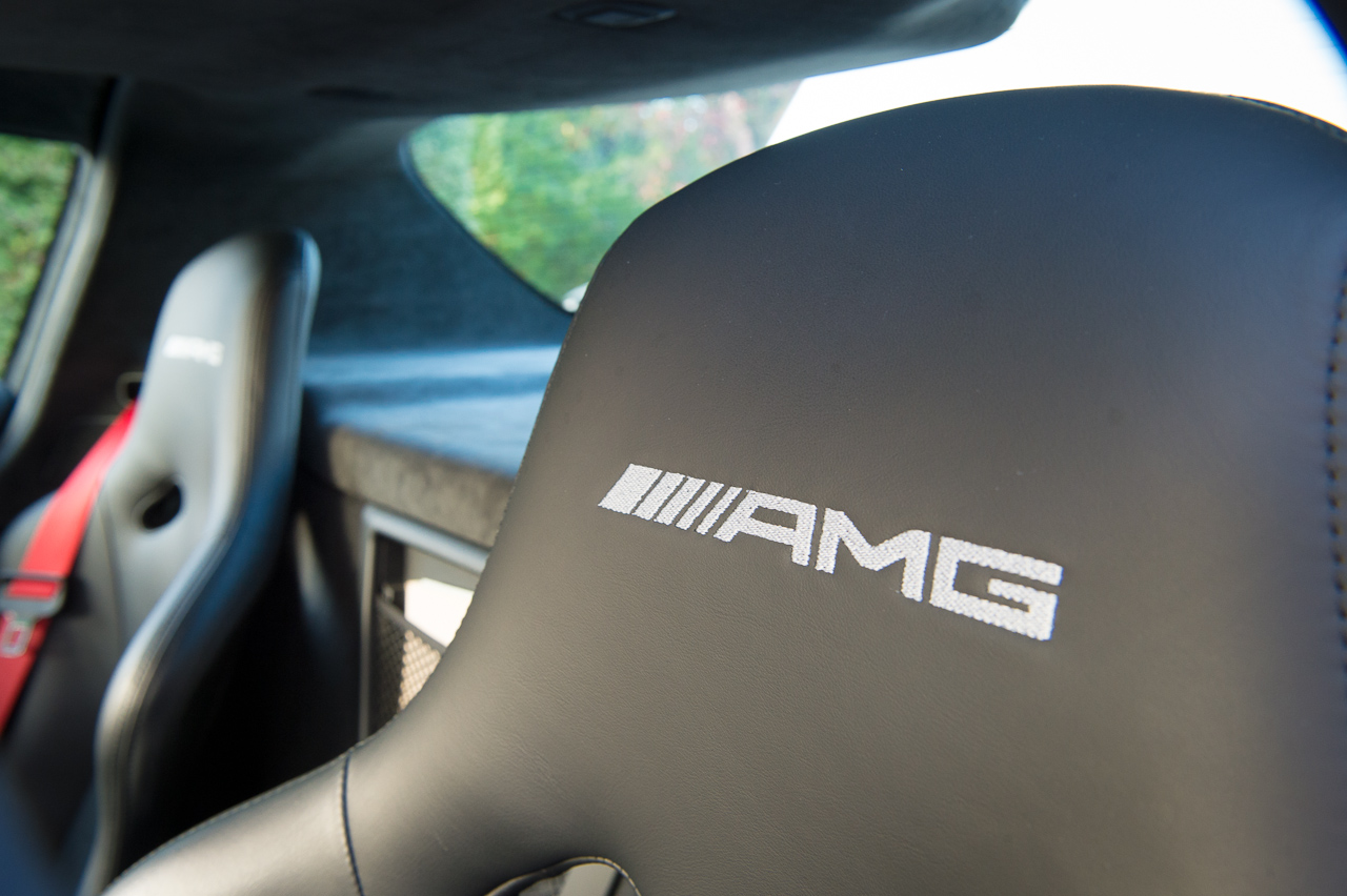 2013-mercedes-benz-sls-amg-gt-coupe-weiss-38