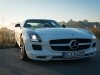 2013-mercedes-benz-sls-amg-gt-coupe-weiss-06