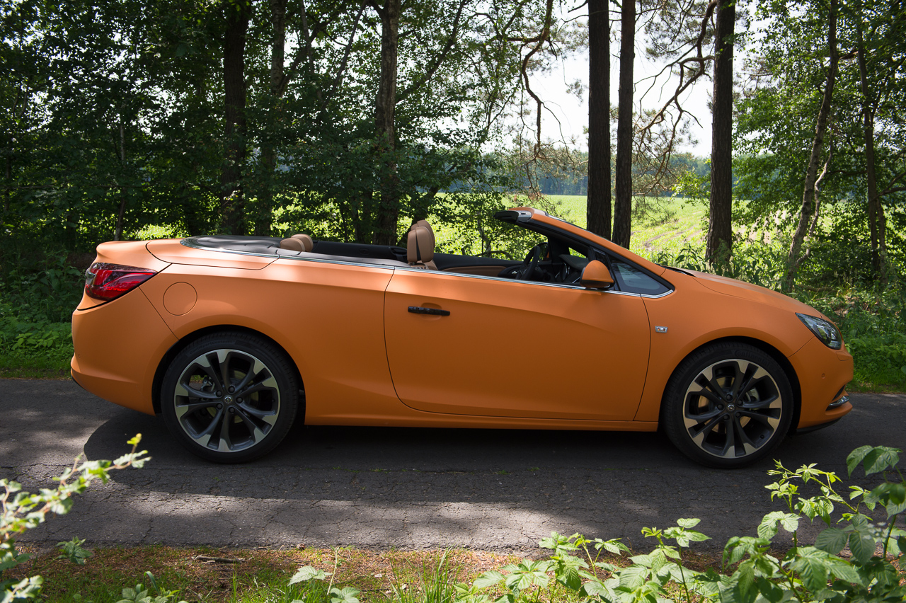 2013-opel-cascada-20-cdti-edition-orange-22