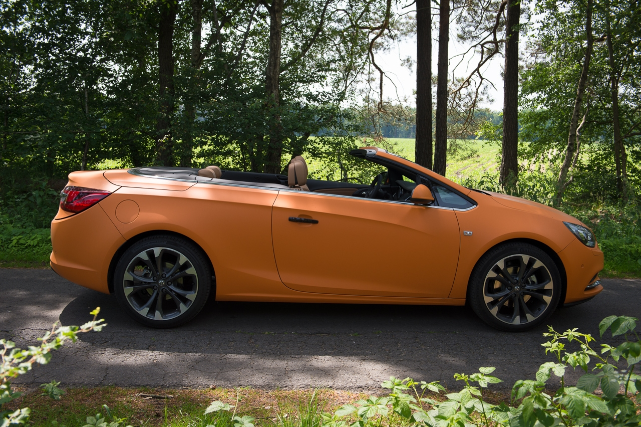 2013-opel-cascada-20-cdti-edition-orange-22