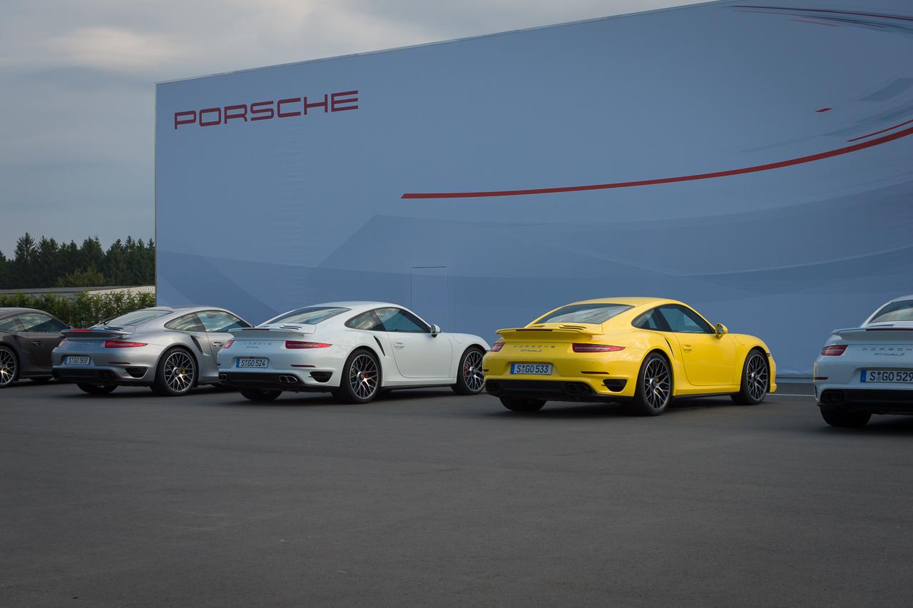 2013-porsche-911-turbo-s-991-schwarz-01