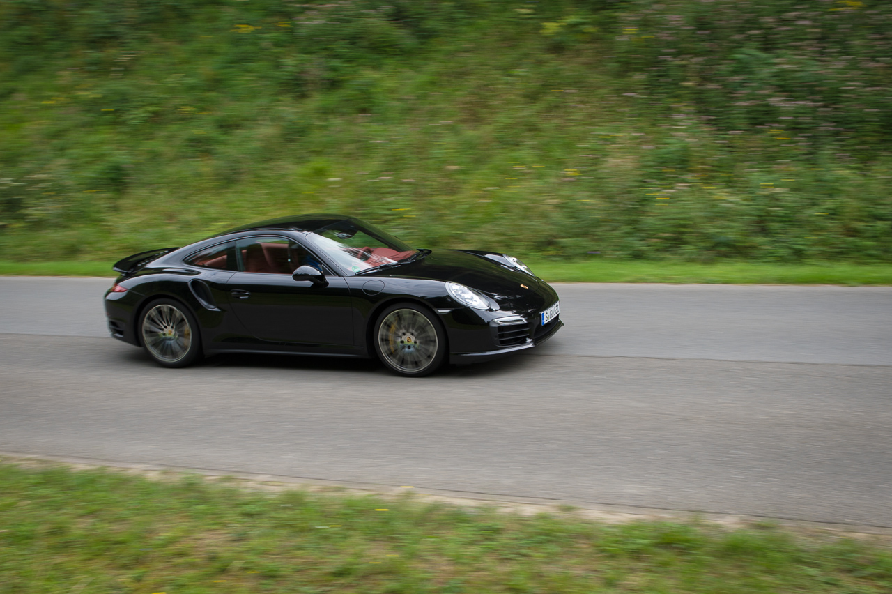 2013-porsche-911-turbo-s-991-schwarz-09