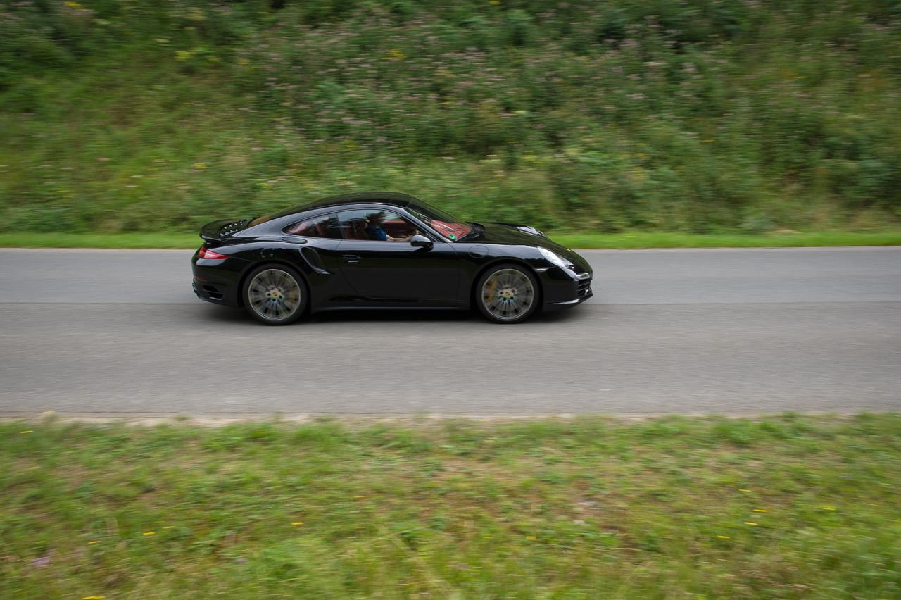 2013-porsche-911-turbo-s-991-schwarz-10