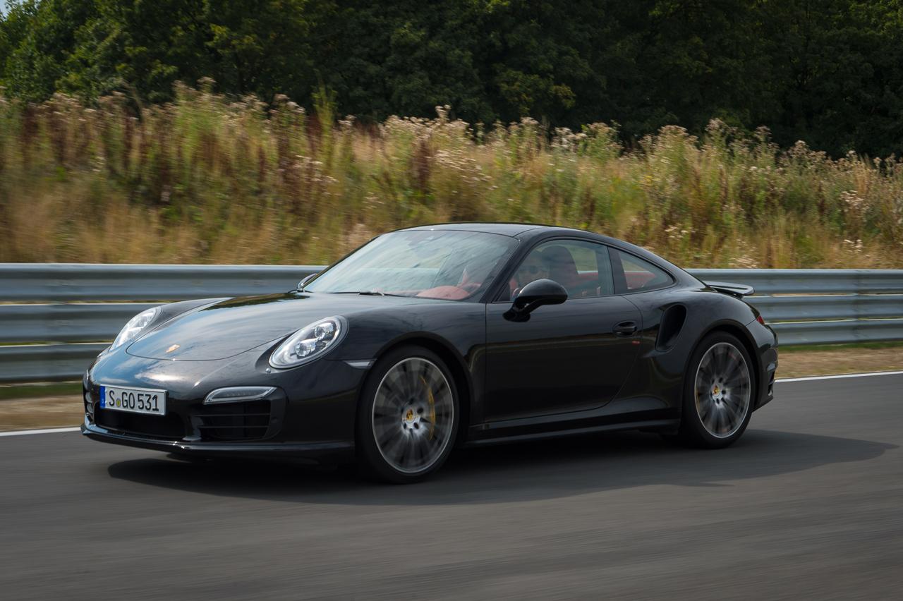 2013-porsche-911-turbo-s-991-schwarz-14