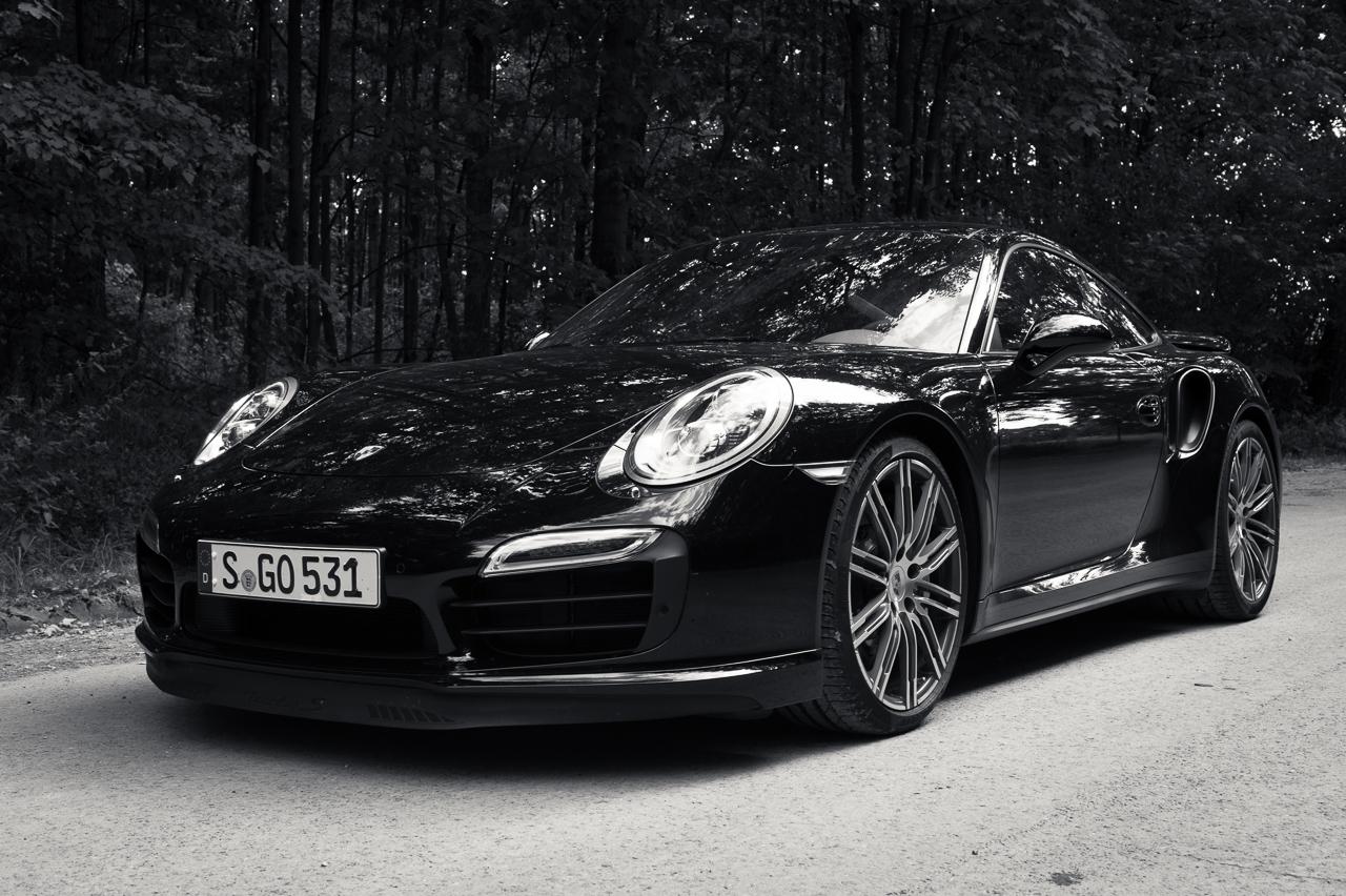 2013-porsche-911-turbo-s-991-schwarz-17