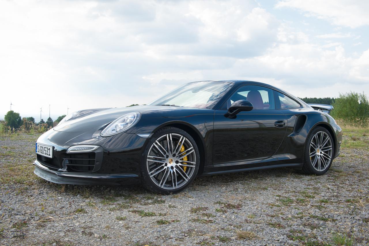 2013-porsche-911-turbo-s-991-schwarz-19