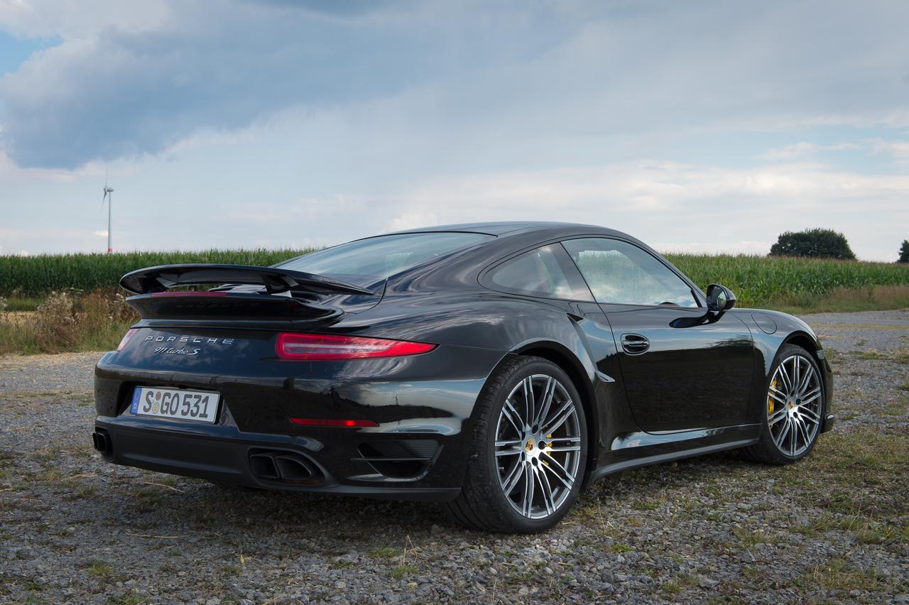 2013-porsche-911-turbo-s-991-schwarz-21