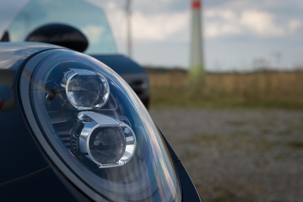 2013-porsche-911-turbo-s-991-schwarz-29