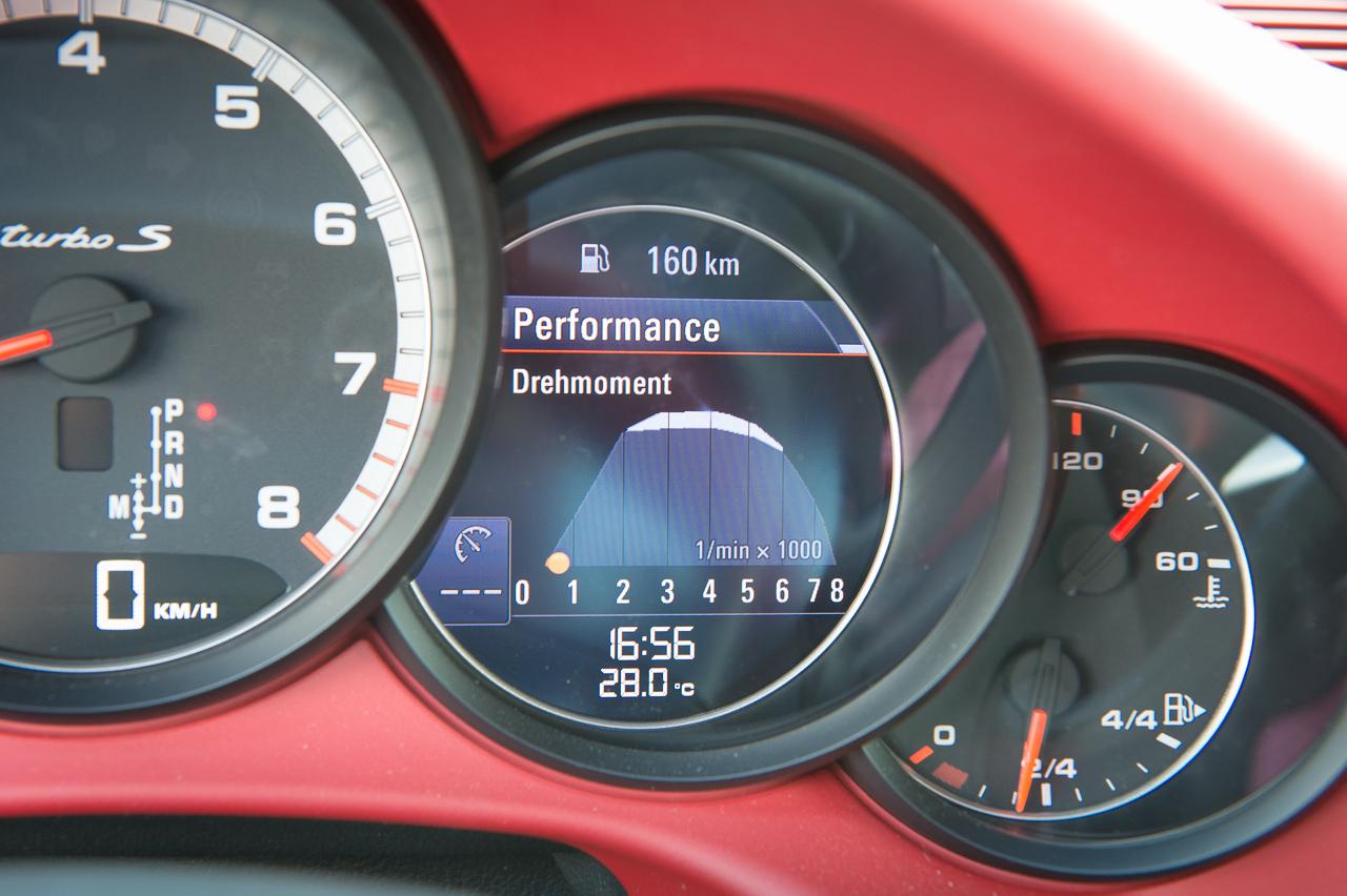 2013-porsche-911-turbo-s-991-schwarz-42