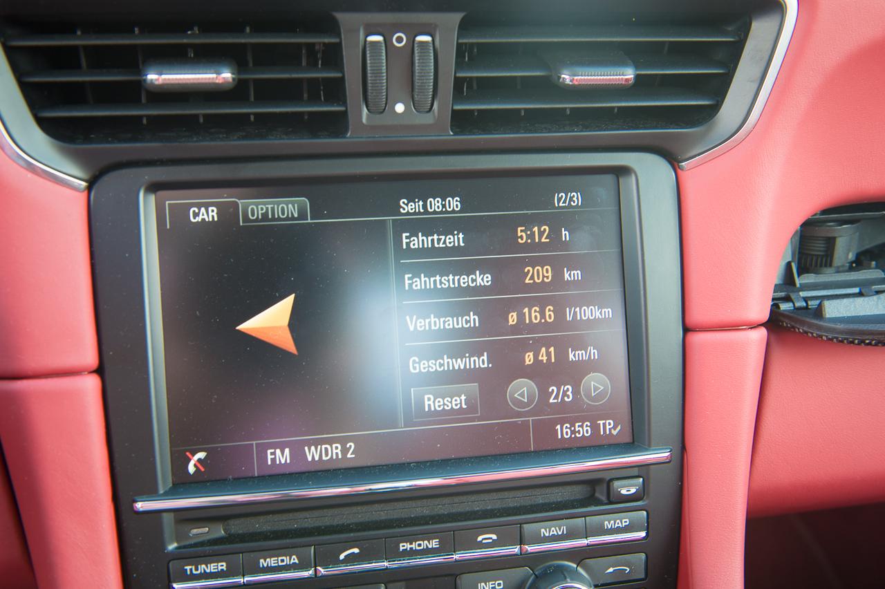2013-porsche-911-turbo-s-991-schwarz-45
