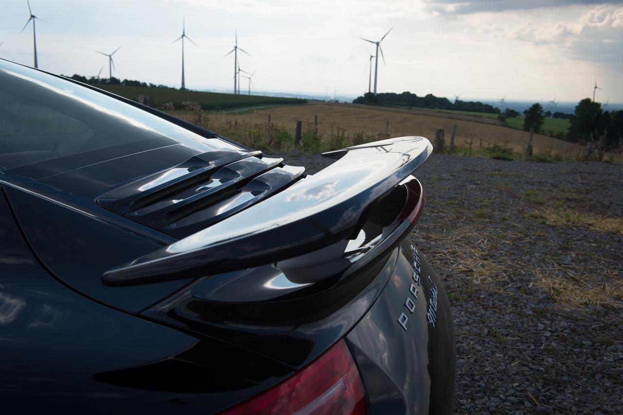 2013-porsche-911-turbo-s-991-schwarz-52