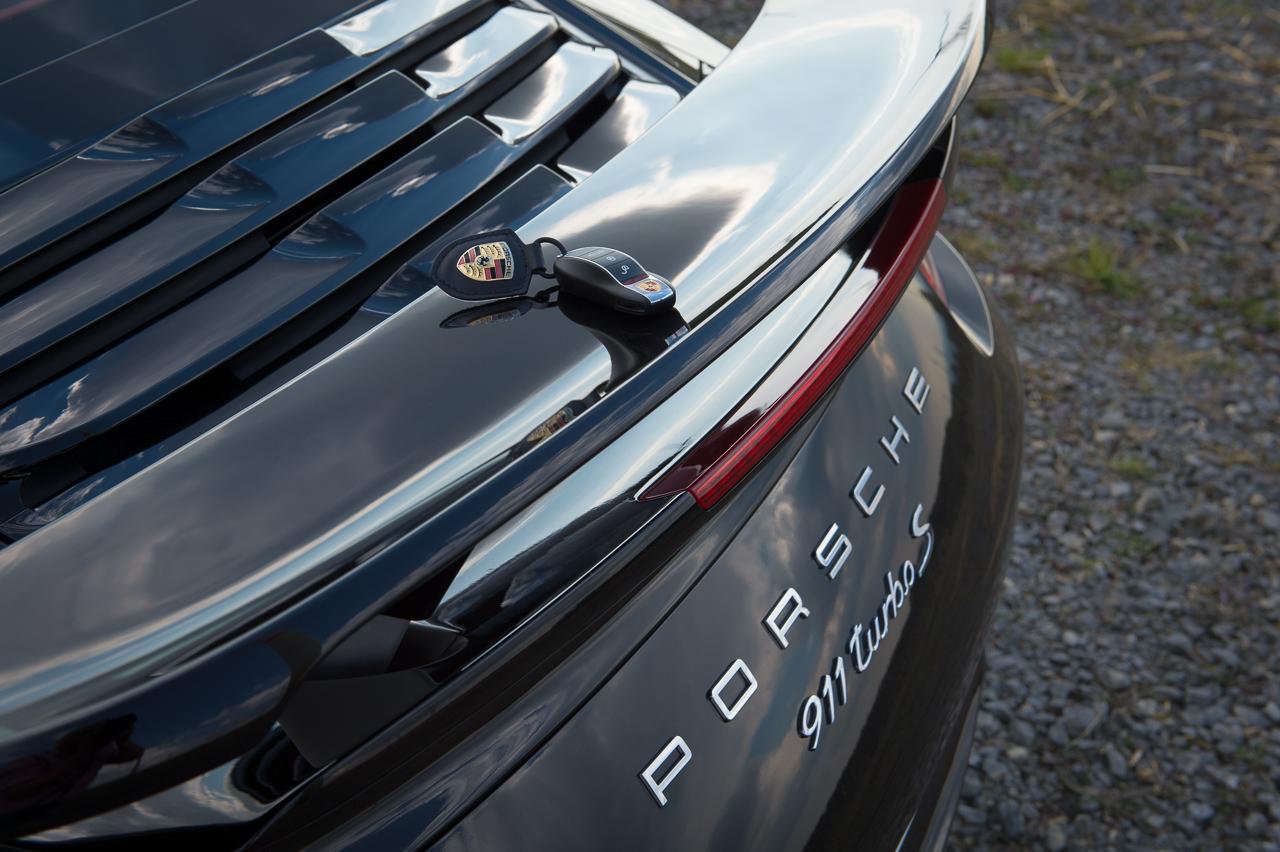2013-porsche-911-turbo-s-991-schwarz-53