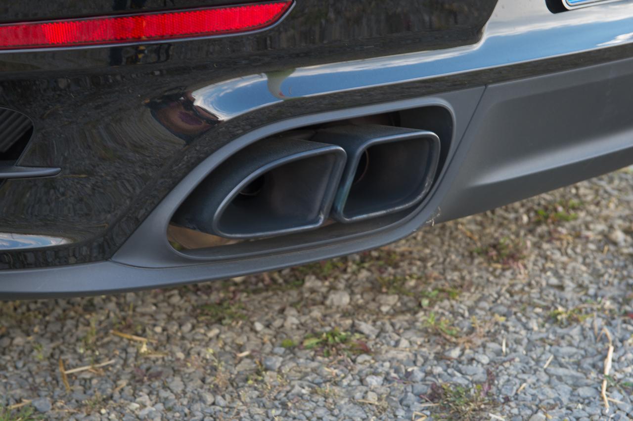 2013-porsche-911-turbo-s-991-schwarz-54