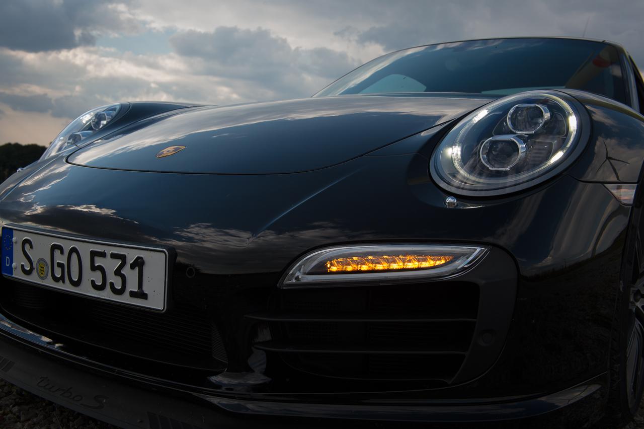 2013-porsche-911-turbo-s-991-schwarz-58