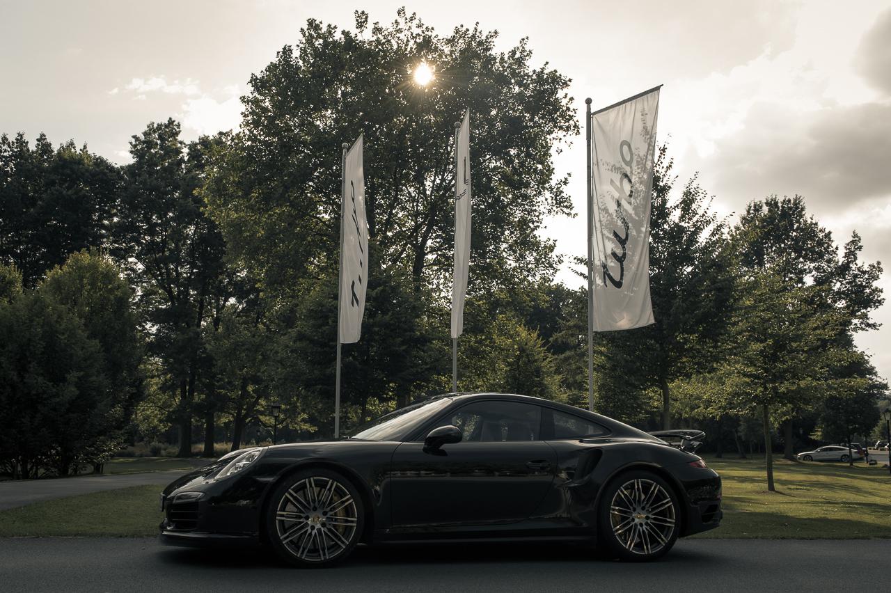 2013-porsche-911-turbo-s-991-schwarz-59