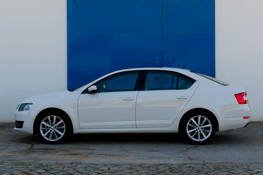 2013-skoda-octavia-iii-limousine-weiss-portugal-faro-9260