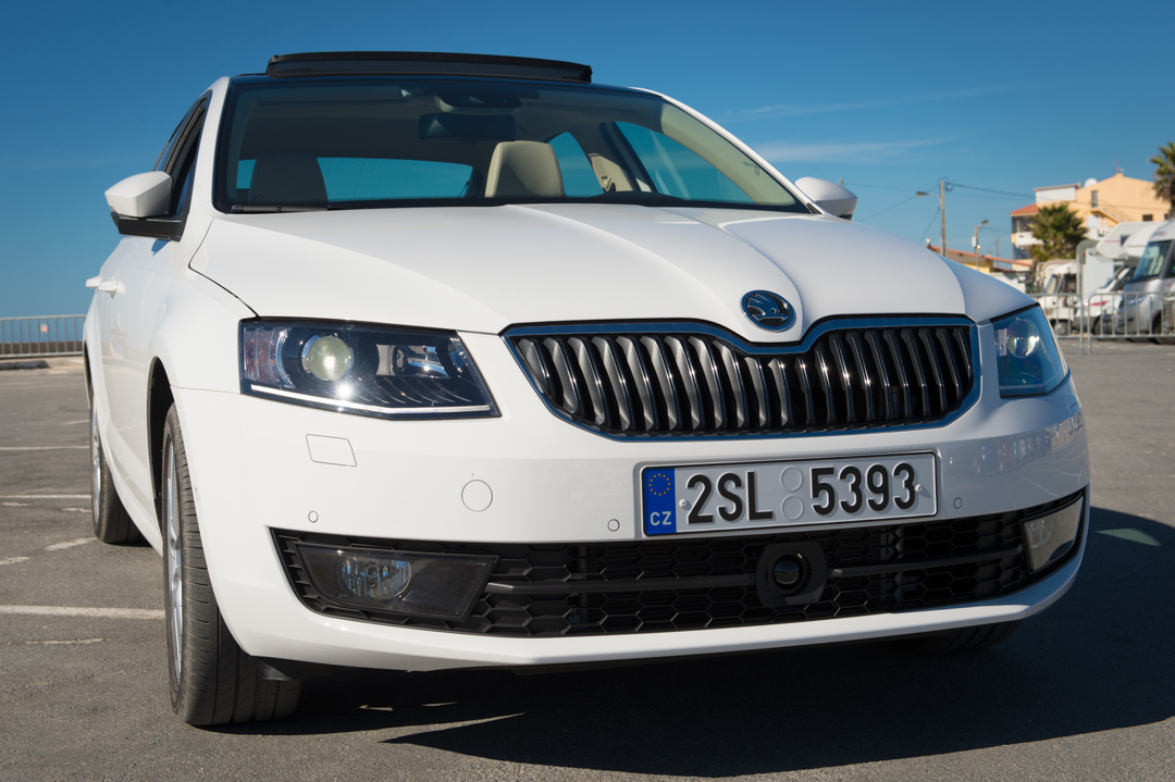 2013-skoda-octavia-iii-limousine-weiss-portugal-faro-9336