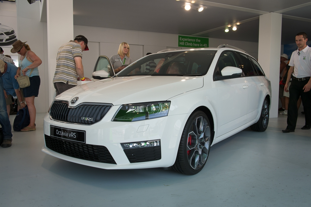 2013-skoda-octavia-iii-rs-vrs-goodwood-09