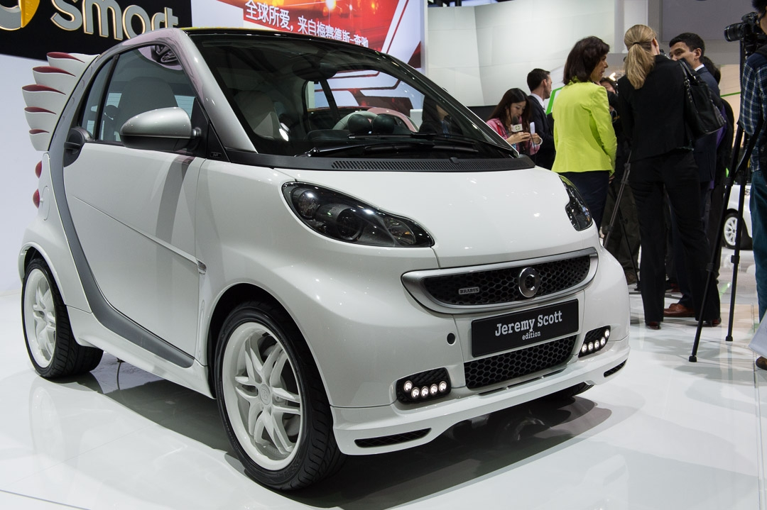 smart-fortwo-edition-by-jeremy-scott-brabus-weiss-shanghai-2013-08