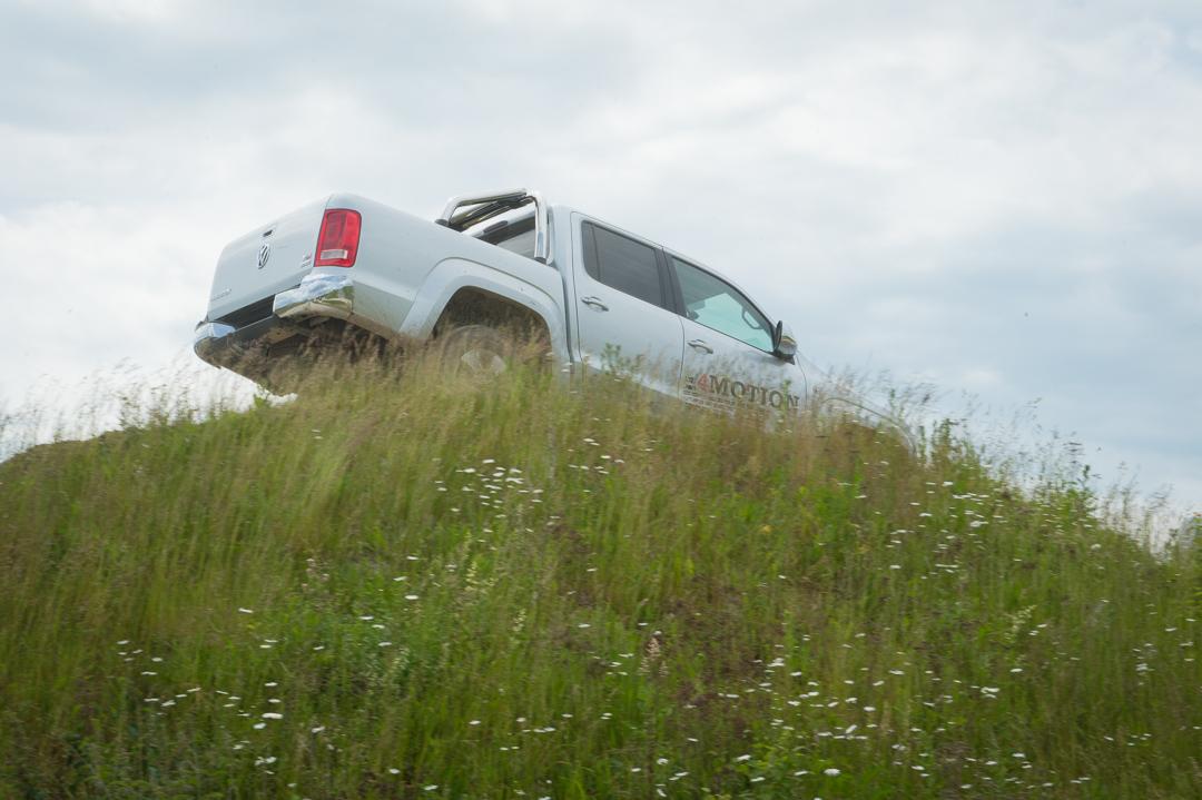 Mit Dem Volkswagen Vw Amarok 252 Ber Den Offorad Parcours In