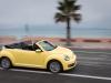 2013-volkswagen-vw-beetle-cabriolet-20-tdi-saturnyellow-15