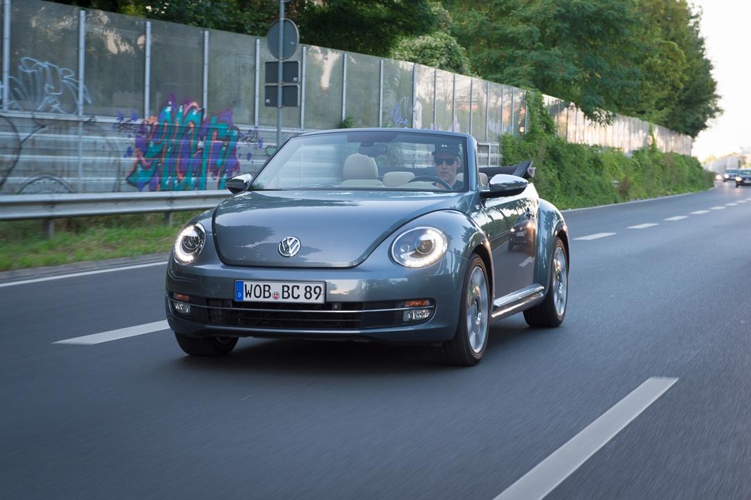Im Alltagstest: 2013 Volkswagen VW Beetle Cabriolet 2.0 TDI 70′s