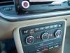 2013-volkswagen-vw-beetle-20-tdi-cabriolet-70s-grau-platinum-grey-metallic-74