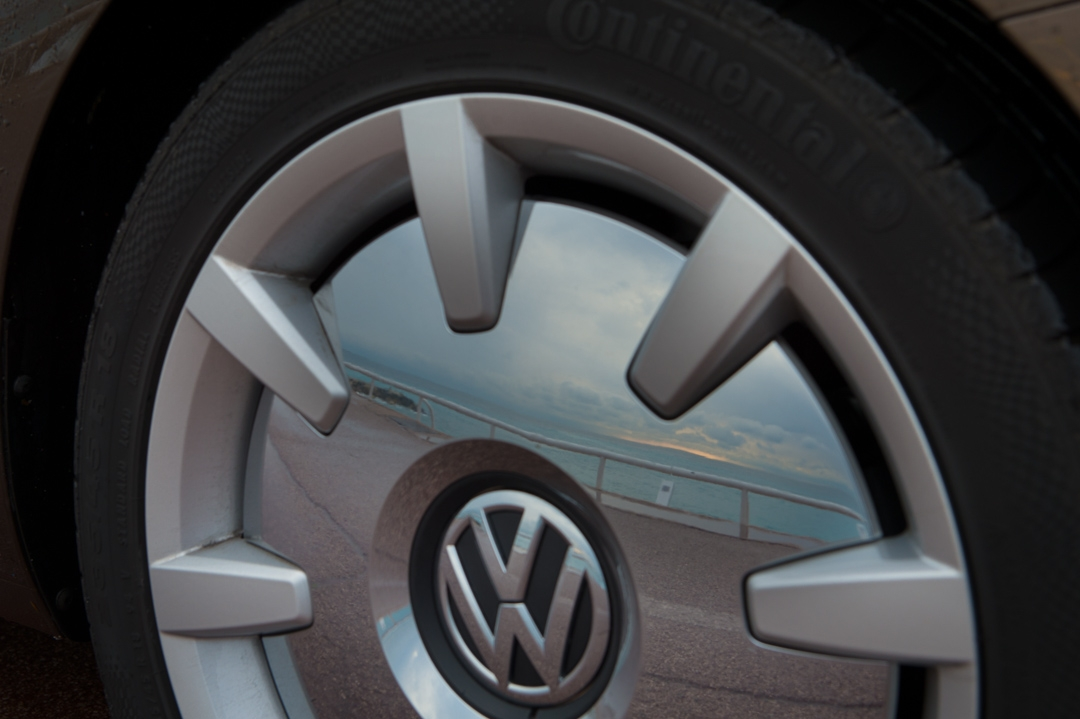 2013-volkswagen-vw-beetle-cabriolet-20-tdi-toffeebraun-07