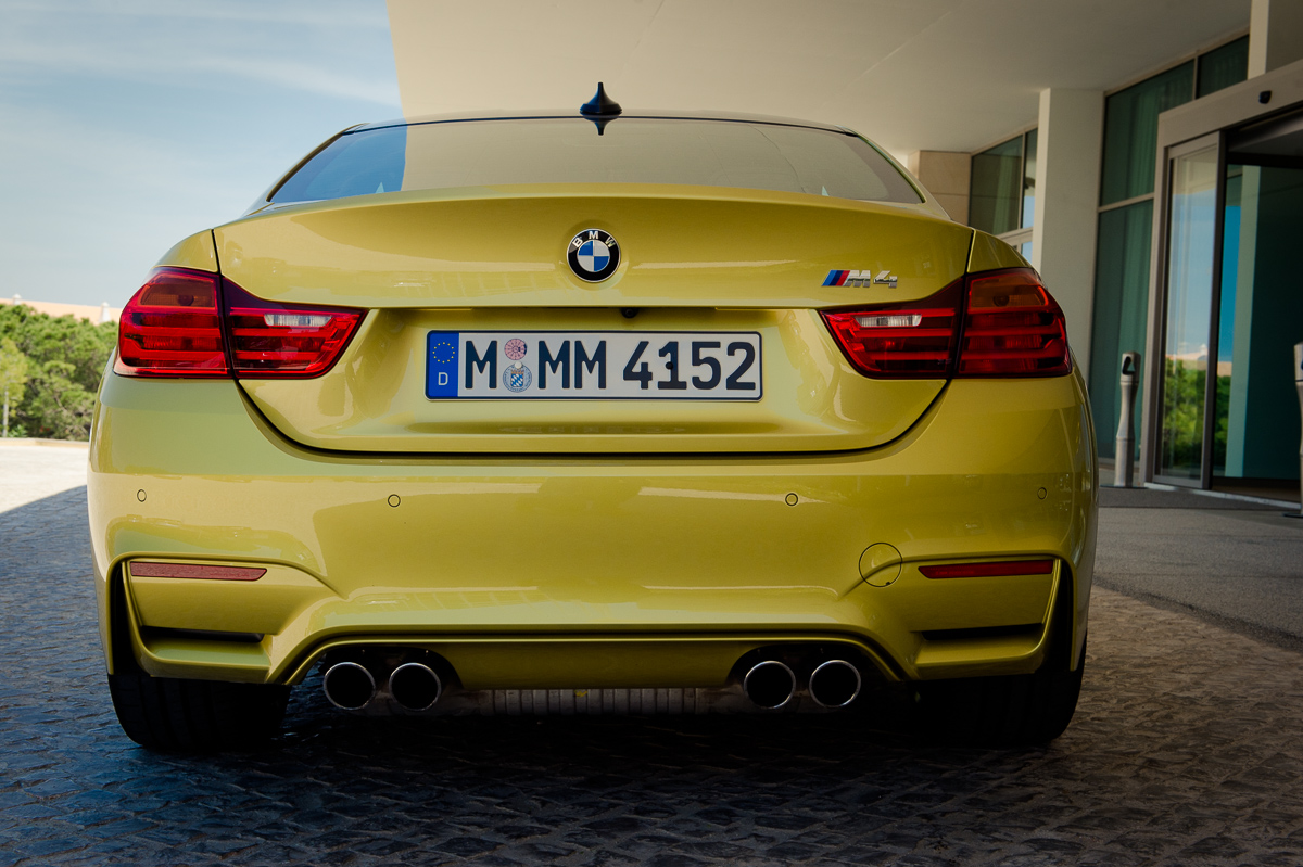 2014-bmw-m4-coupe-f82-austin-yellow-portugal-09