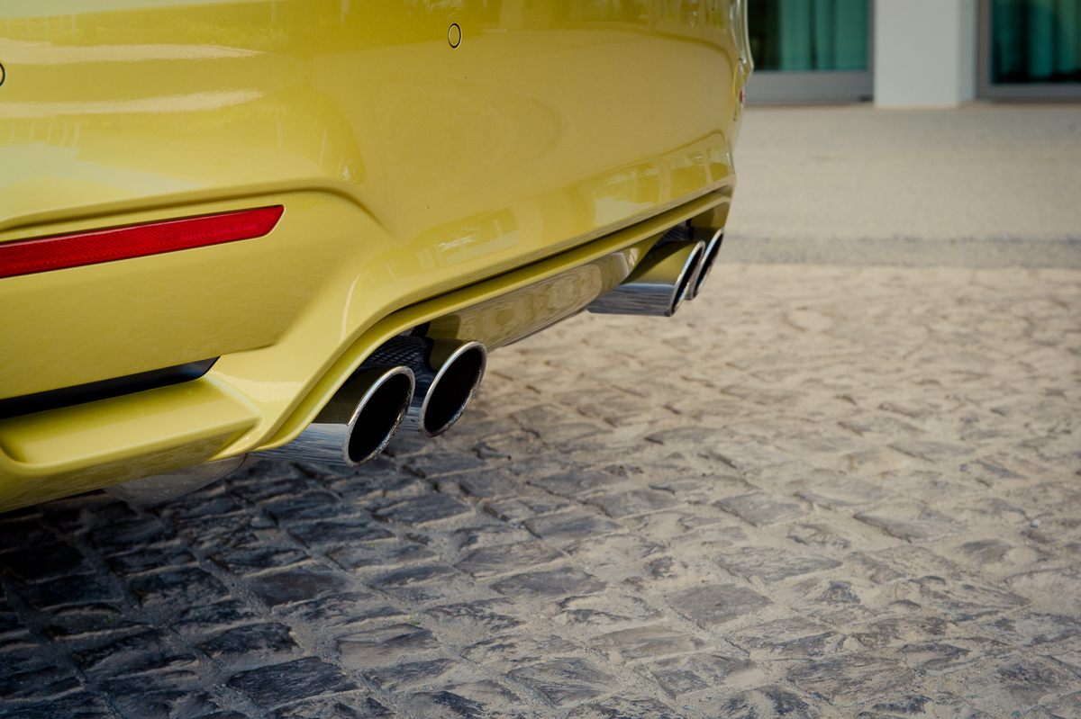 2014-bmw-m4-coupe-f82-austin-yellow-portugal-14