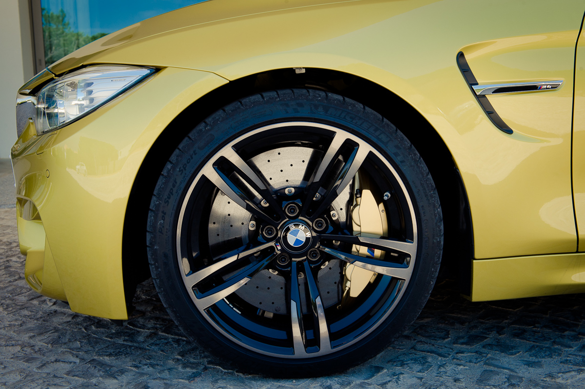 2014-bmw-m4-coupe-f82-austin-yellow-portugal-16