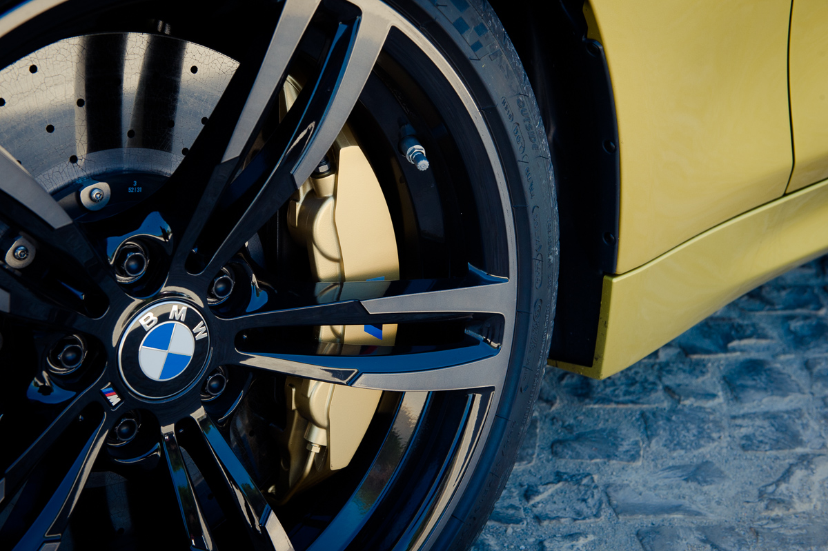 2014-bmw-m4-coupe-f82-austin-yellow-portugal-17