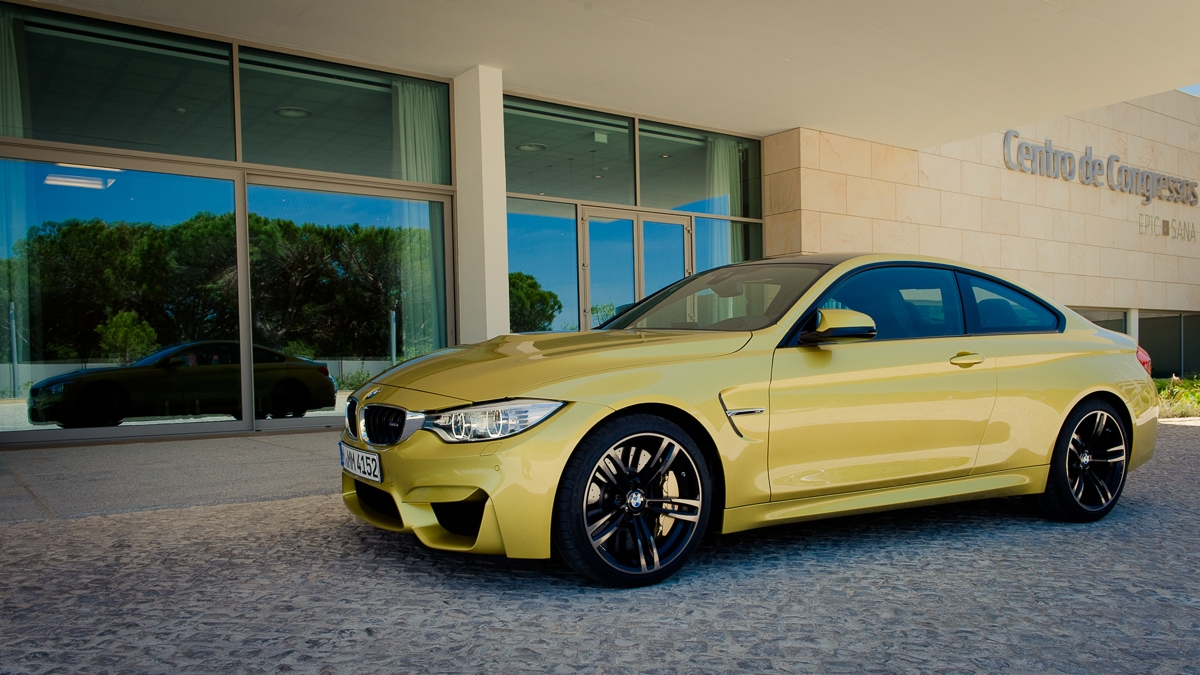 2014-bmw-m4-coupe-f82-austin-yellow-portugal-07