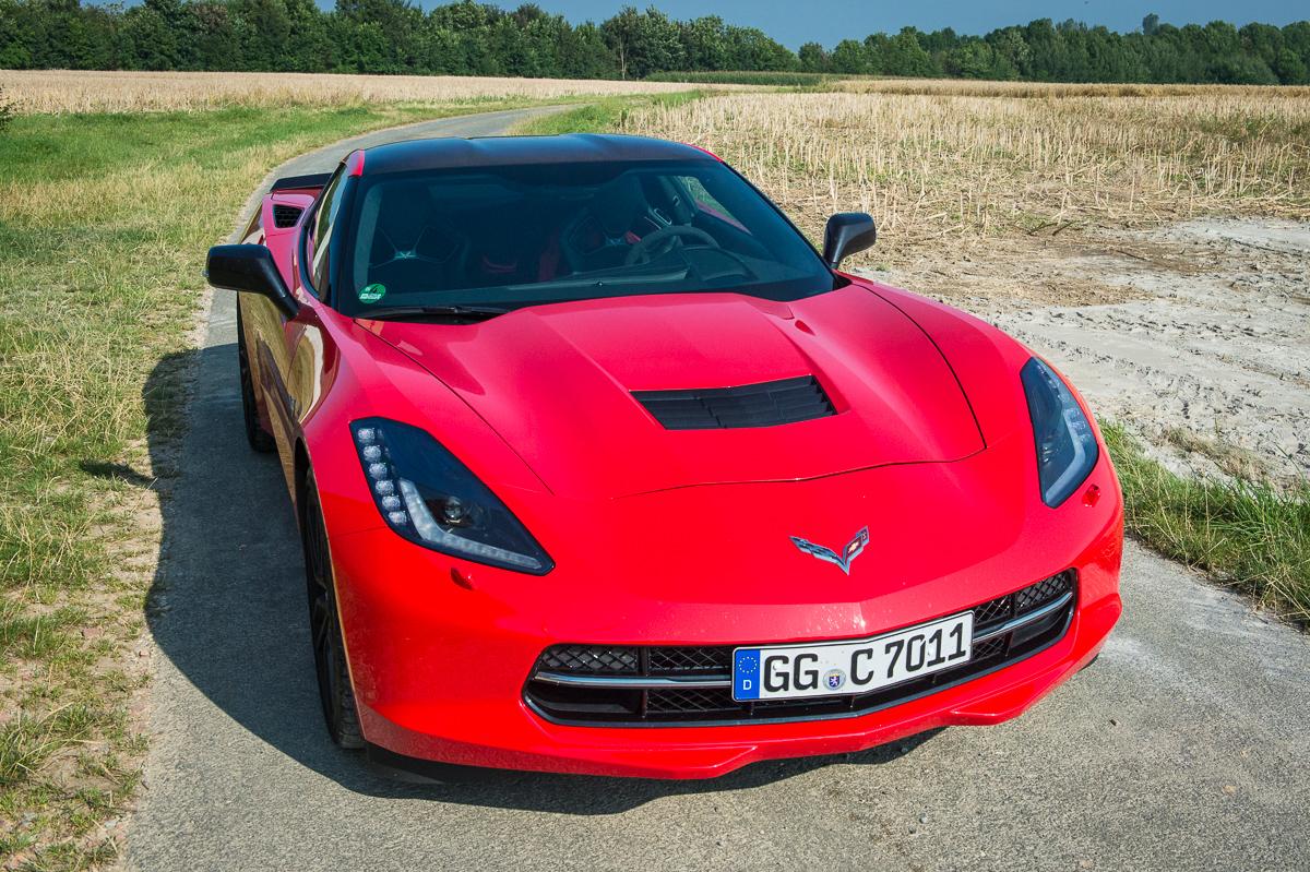 2014-Chevrolet-Corvette-C7-Stingray-Targa-EU-rot-01