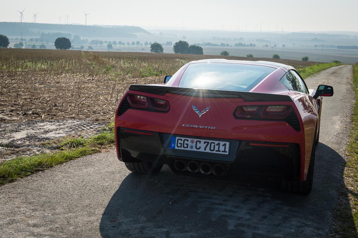 2014-Chevrolet-Corvette-C7-Stingray-Targa-EU-rot-04