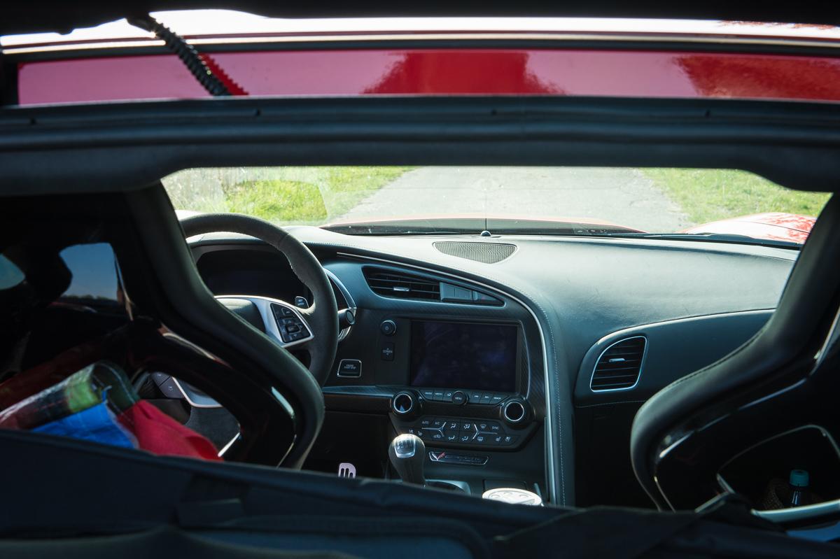 2014-Chevrolet-Corvette-C7-Stingray-Targa-EU-rot-09