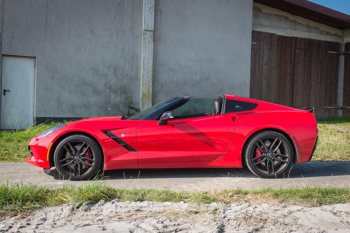 2014-Chevrolet-Corvette-C7-Stingray-Targa-EU-rot-10