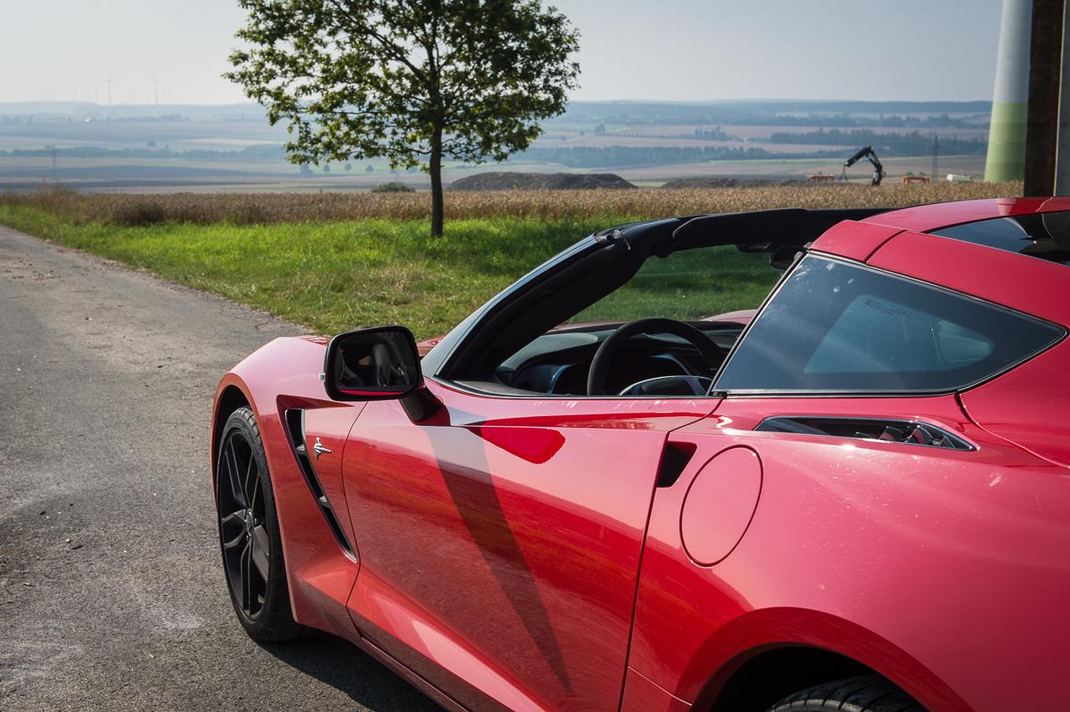 2014-Chevrolet-Corvette-C7-Stingray-Targa-EU-rot-11