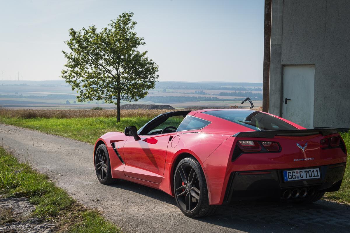 2014-Chevrolet-Corvette-C7-Stingray-Targa-EU-rot-12