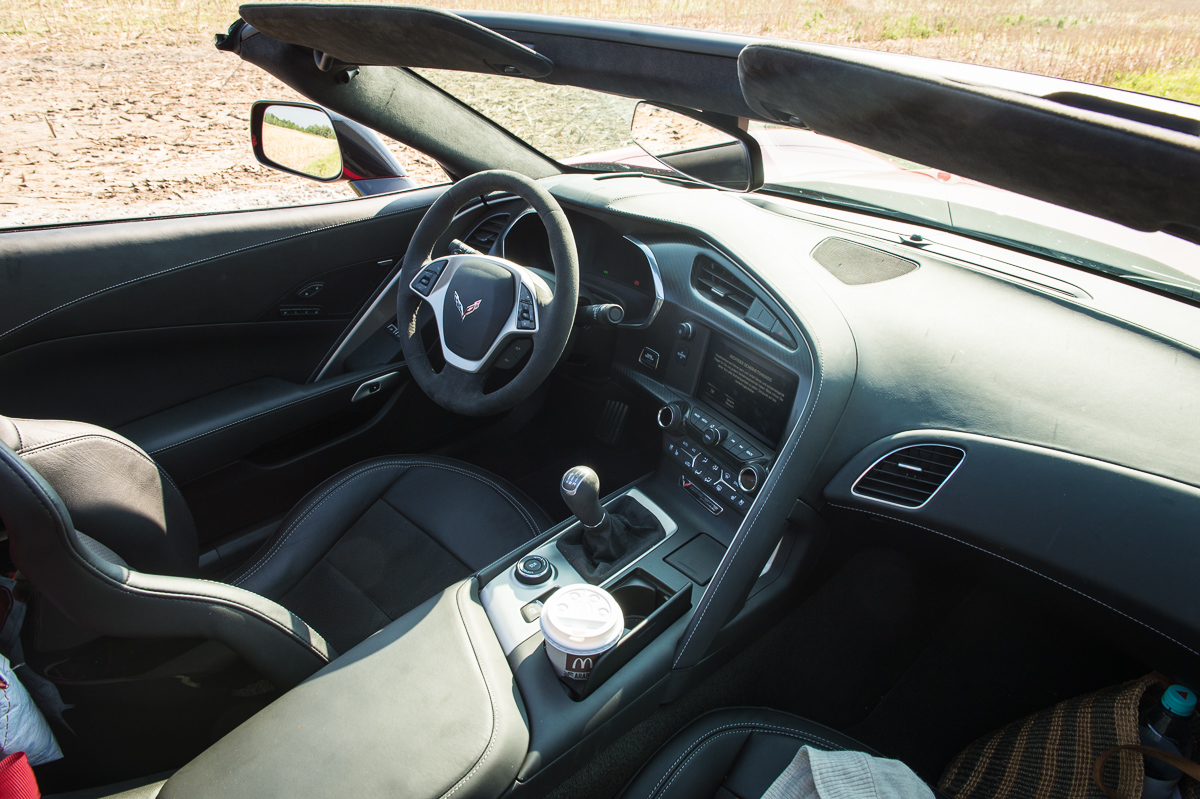 2014-Chevrolet-Corvette-C7-Stingray-Targa-EU-rot-16