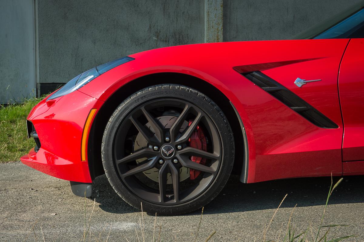 2014-Chevrolet-Corvette-C7-Stingray-Targa-EU-rot-19