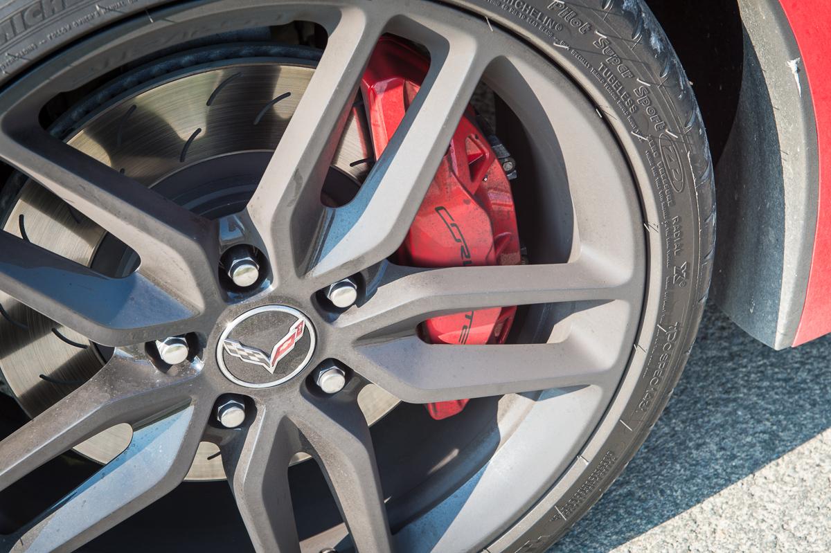 2014-Chevrolet-Corvette-C7-Stingray-Targa-EU-rot-20